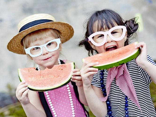 Cool glasses from ejvor.se  Styling: ejvor Photo: Sara Landstedt @dayfotografi #ejvor #glasses #melon #kids