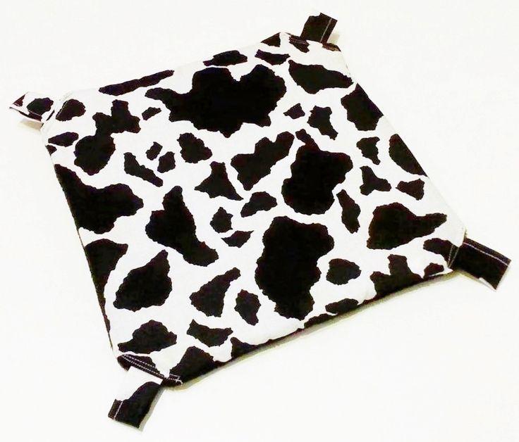 Hängemattengestell mit Hängematte, Kuhflecken, schwarzer Fleece
