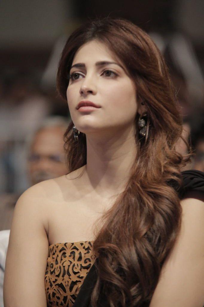 Shruti Haasan  Shruti Hassan  Pinterest  Actresses -4200