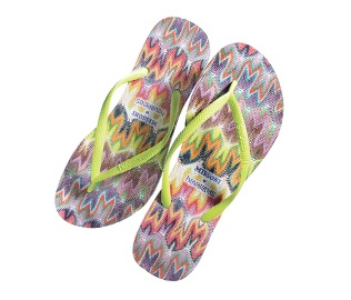 Bright Beach Accessories | The Zoe Report: Beach Accessories, Beaches Accessories, Style, Bright Beaches, Beaches Acsessori, Missoni Havaiana, Flip Flops, Haviana, Flip Flop