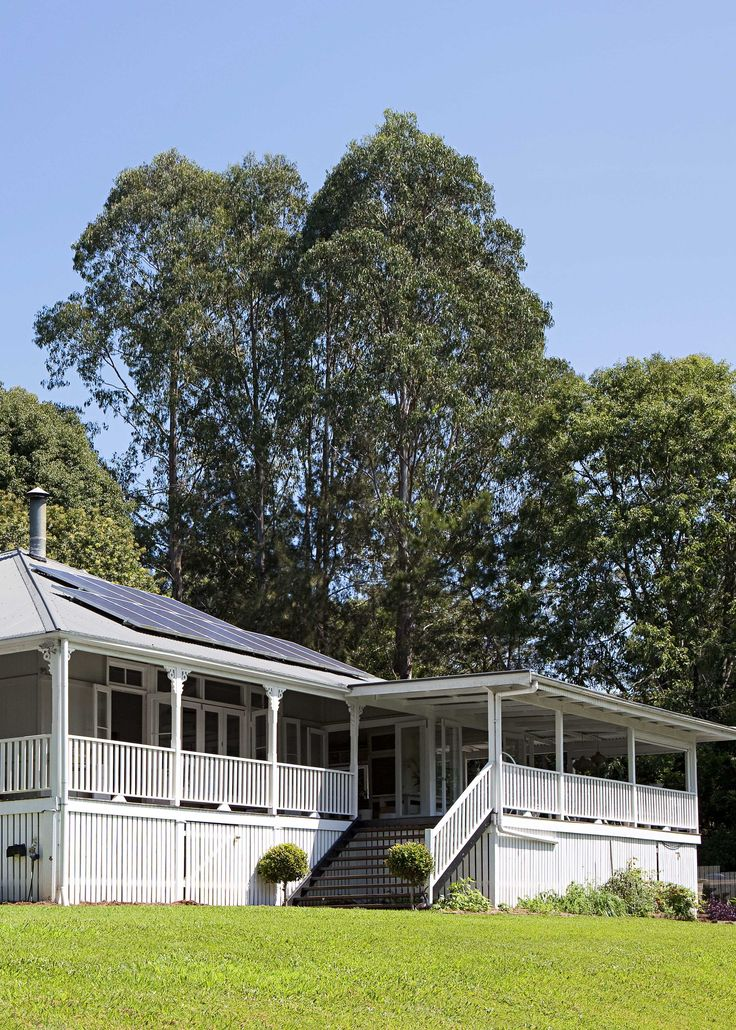 Take a tour of this laid-back holiday house, tucked in thehillsbehind Byron Bay