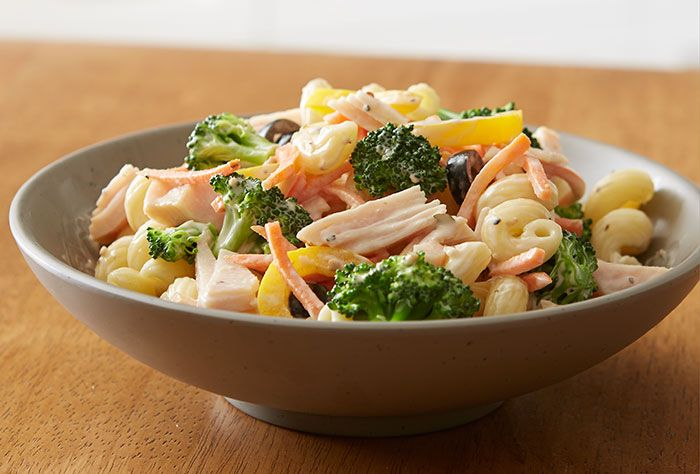 Try this delicious Farm House Chicken Pasta Salad recipe made with HORMEL® NATURAL CHOICE® products.