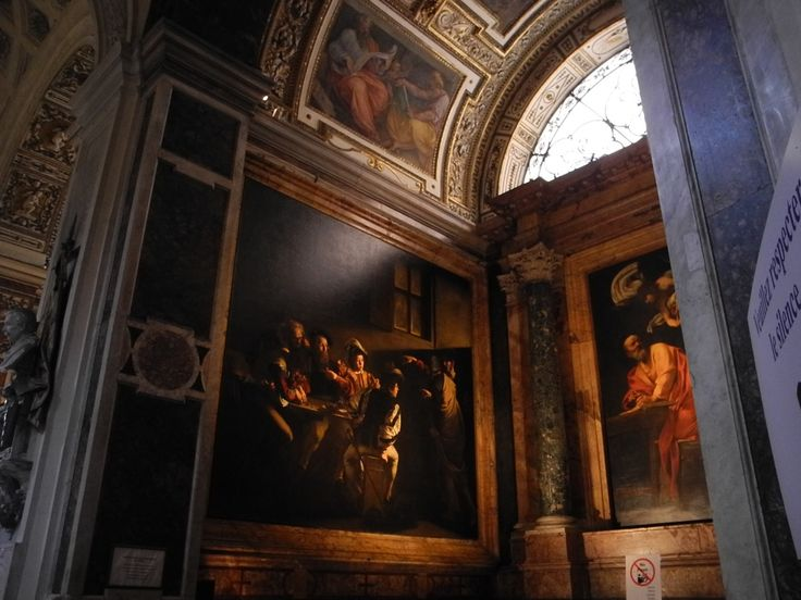 Eglise communautaire San Luigi dei Francesi, chapelle Contarelli (mort en 1585, Del Monte, son éxécuteur testamantaire confie la réalisation au Caravage à partir de 99), 1ère utilisation de tableaux rapportés comme décor à Rome