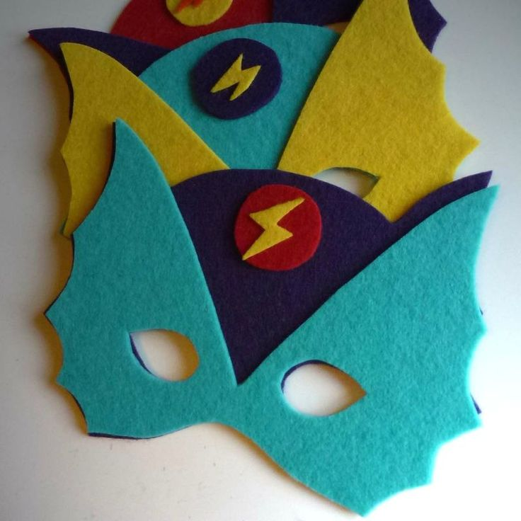 Masque de super heros  http://www.petitkarel.com/diy-masque-super-heros/