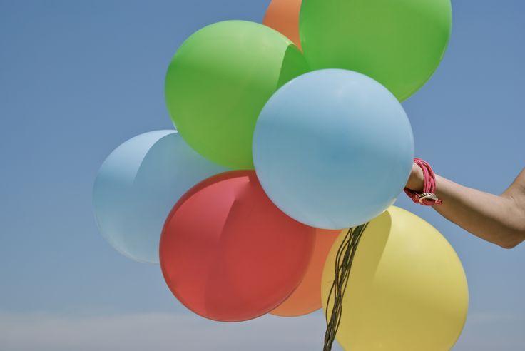 Sesión de fotos con globos. Creatividad. Fotografía.
