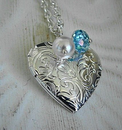 Birthstone Locket (and this is actually my birthstone too!) <3