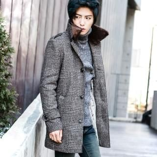 Buy 'TOMONARI – Faux-Fur Trim Collar Single Check Coat' with Free Shipping at YesStyle.co.uk. Browse and shop for thousands of Asian fashion items from South Korea and more!