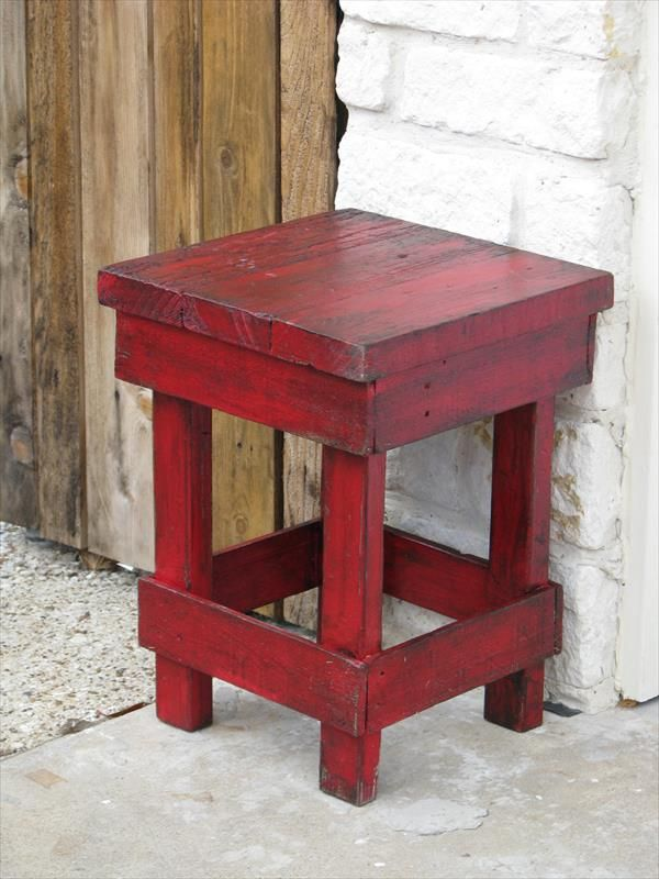 DIY Pallet Medium Red Side Table   Pallet Furniture DIY