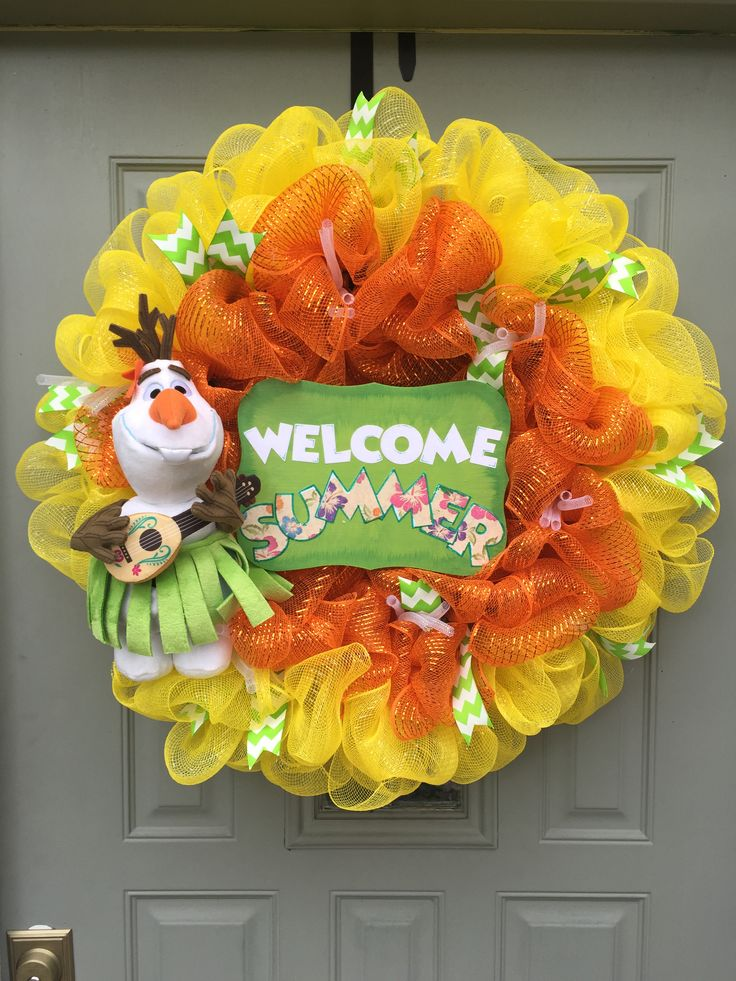 Disney's frozen - Olaf summer themed - deco mesh wreath