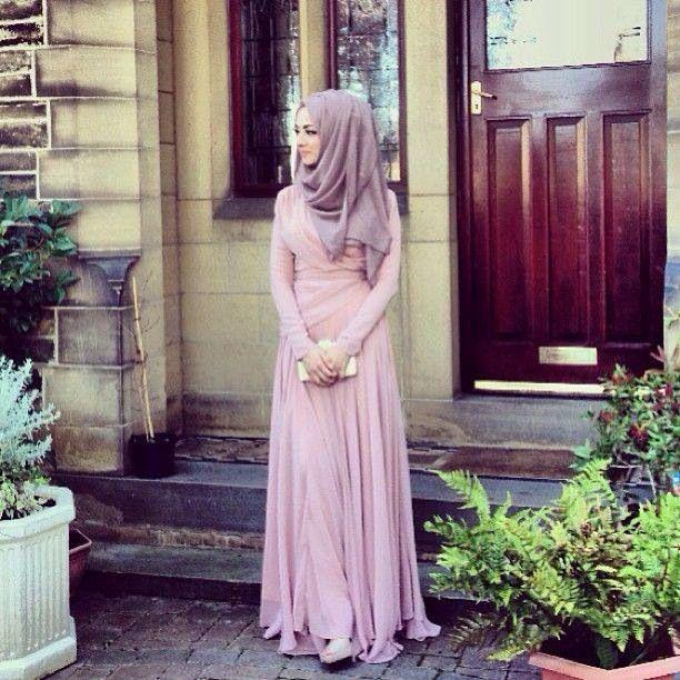 Pastel pink dress for hijab