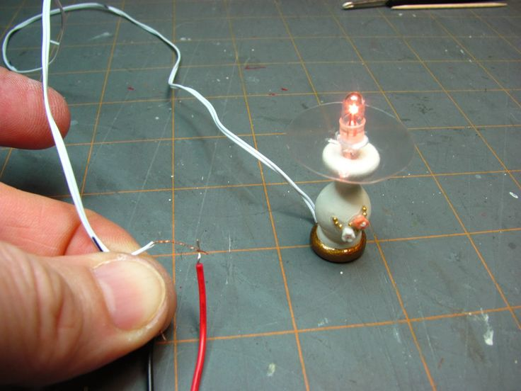 how to make dollhouse miniature battery operated lights