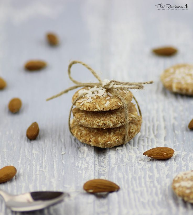 The Rawtarian: Easy almond pulp cookies (uses the pulp left over from making almond milk from raw almonds)