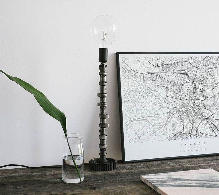#lampa #mapa #liść dekoracja doskonała! #recon #maptu #dekoracje #decorations #intwrior #lamp #lampa #industrial #industrialne #obraz #grafika #wnetrze #interior #plakat #poster #dobrewnętrze #maptu_maps @rec.on.eu