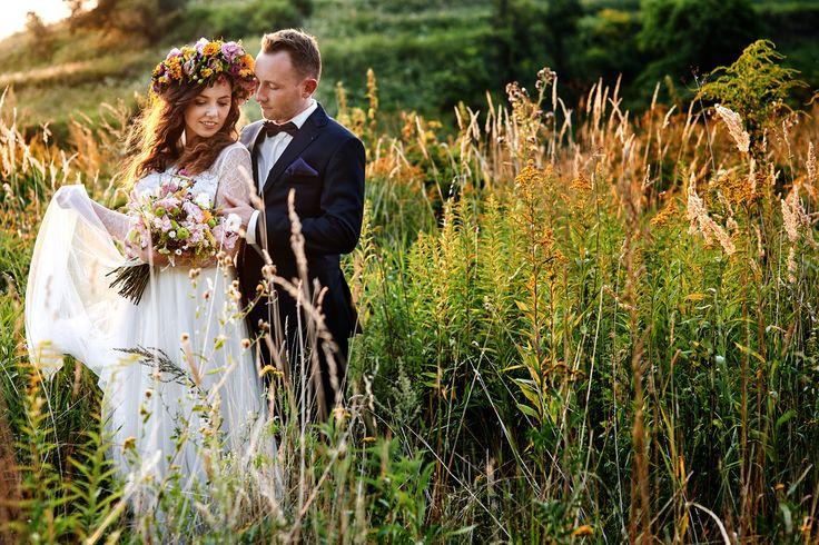 Wedding Couple in green  #photo #photographer #photography #possing #session #weddingphotography
