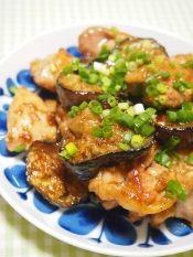 楽天が運営する楽天レシピ。ユーザーさんが投稿した「みんな大好き! マヨ照り焼きチキン」のレシピページです。我が家の人気メニュー、簡単に作れて、失敗ナシのマヨネーズ味の照り焼きです。。鶏肉の照り焼き。鶏もも肉,細ねぎ,☆マヨネーズ,☆醤油,☆みりん,☆酒,薄力粉,塩、胡椒