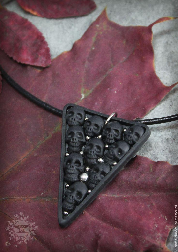 Купить Кулон Black kostnice - черный, черепа, готика, мрачный, рок, рок стиль, череп