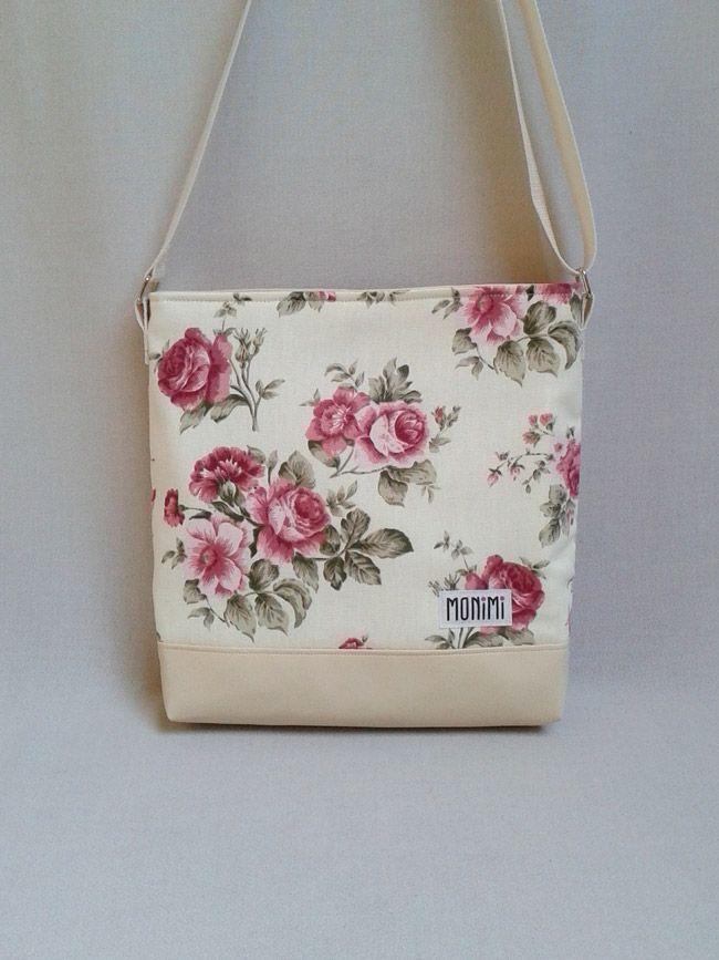 Gyönyörű angolrózsás designer anyag felhasználásával készült ez a táska. A finom árnyalatok, szép vanília színek teszik romantikussá! Daily-bag női #táska
