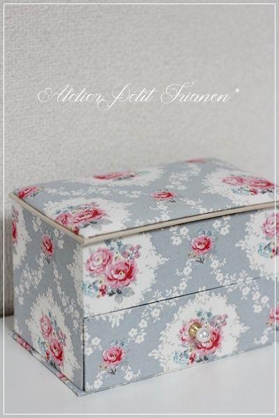 マスクボックスとカルトナージュアートさん♪ : Petit Trianon *** cartonnage & interior ***