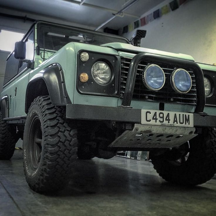 Sneak peek at a Defender 90 that is coming up for sale shortly - in for a clean up and then available on consignment.  #defender90 #defender110 #defender130 #defendersnorthwest #defendersnw #d90 #d110 #D130 #adventuremobile #landrover #landroverdefender #defenders #adventures  #adventuregear #frontrunner @frontrunneroutfitters #frontrunnerracks #expedition #handbuilt #gigharbor  #pnw #pnwonderland by defendersnw Sneak peek at a Defender 90 that is coming up for sale shortly - in for a clean…