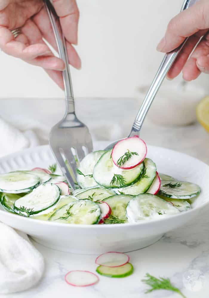 Polish Cucumber Salad With Sour Cream And Dill Mizeria All That S Jas Recipe Yummy Salad Recipes Fun Salads Best Salad Recipes