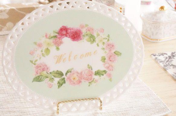 ポーセラーツ(陶板)で作る結婚式のウェルカムボードです。透かし彫りがとっても可愛いです^^お式の後は新居に飾るもよし、ケーキプレートとして使うもよしです♪・文...|ハンドメイド、手作り、手仕事品の通販・販売・購入ならCreema。