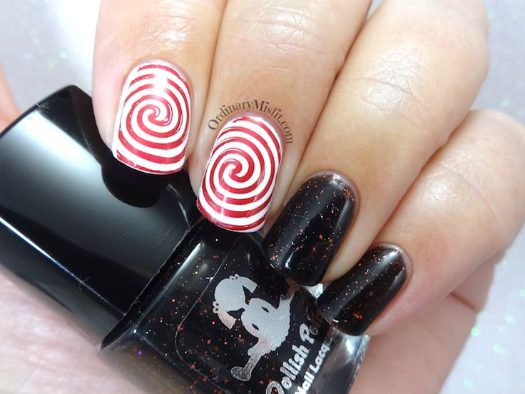 52 week nail art challenge - Week 15: Black & red