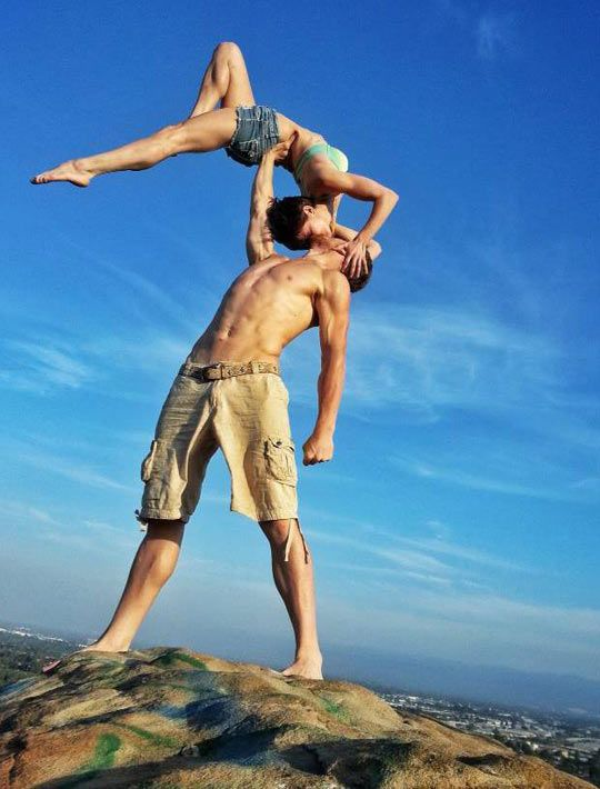 Should we ever decide to get into shape and take up acrobatics, we will have a similar wedding photo.