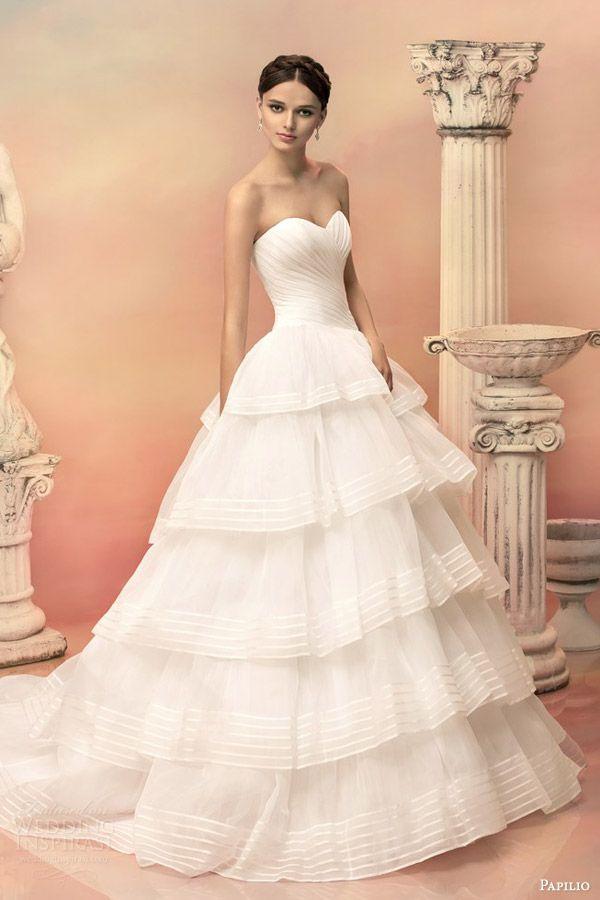 Papilio 2015 Wedding Dresses — Hellas Bridal Collection Part 1   Wedding Inspirasi NB: couper après les deux premiers volants !