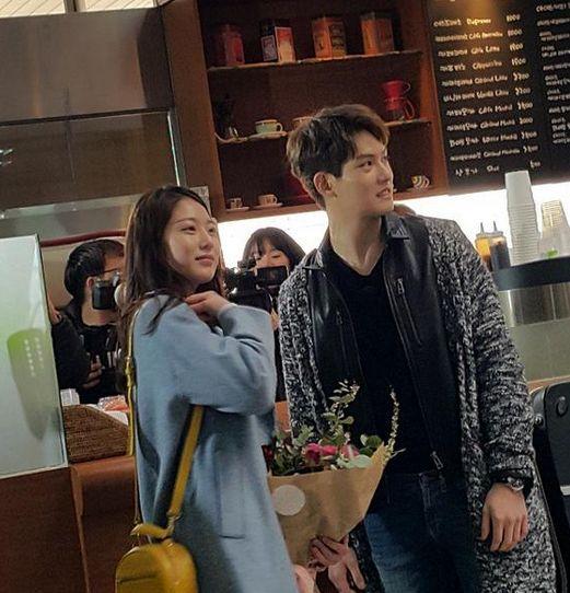 #GongSeungYun and #JongHyun filming #WeGotMarried