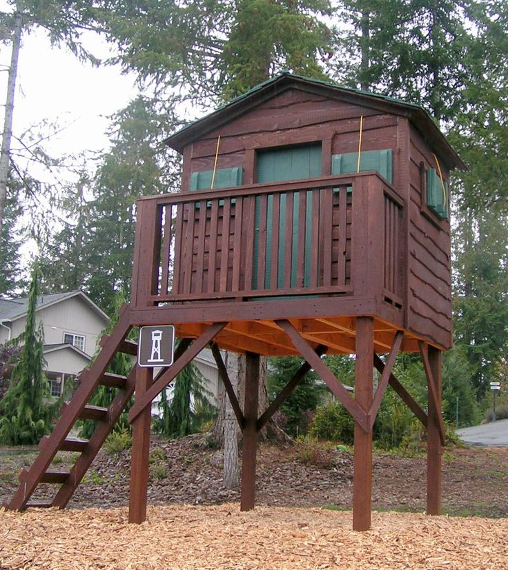 Best 25 boys playhouse ideas on pinterest play houses for Boys outdoor playhouse