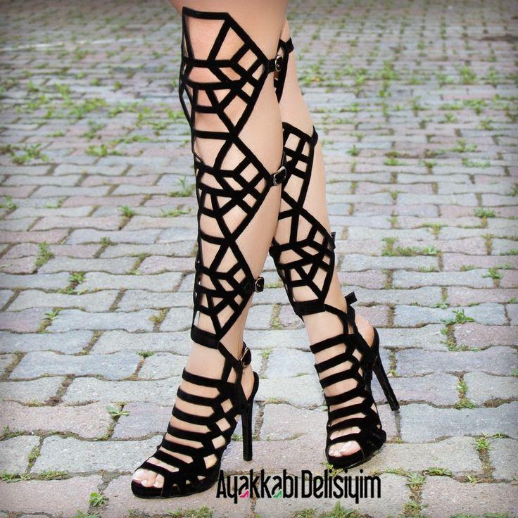 Kafesli Yazlık Çizme #heels #black #shoes