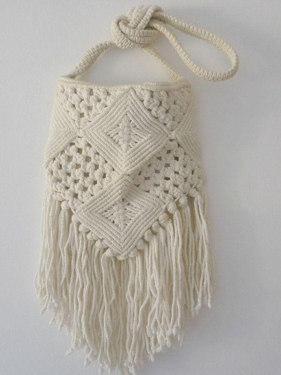 Vintage 70s White Macrame Handbag Tassle Closure With