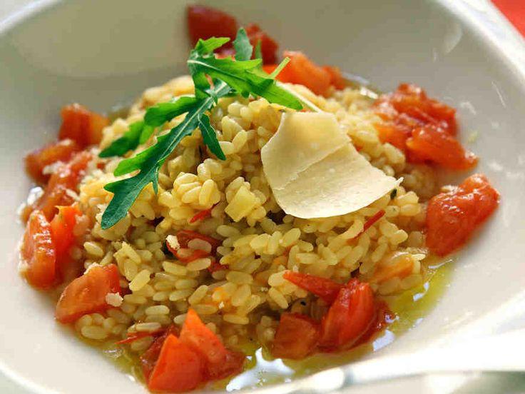 Cajun-maustettu tomaattirisotto http://www.yhteishyva.fi/ruoka-ja-reseptit/reseptit/cajun-maustettu-tomaattirisotto/01947