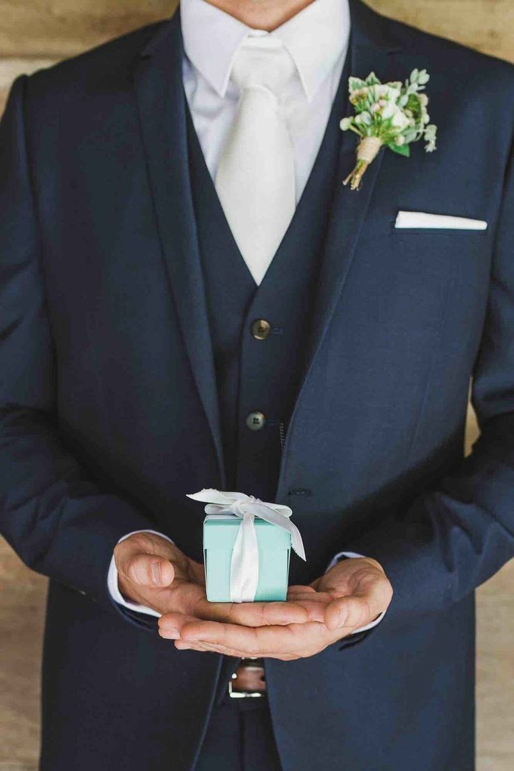 Groom Navy Suit and Tiffany & Co Box // Follow us on Instagram and Facebook @thebohemianwedding