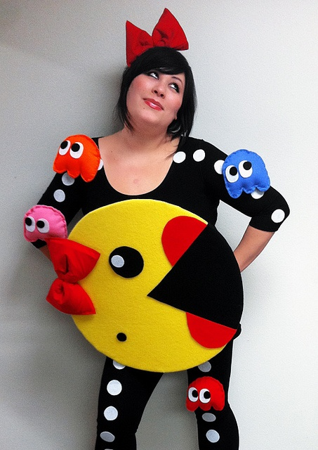 Ms. Pacman costume, I'm not really looking for a costume but this is so fun!