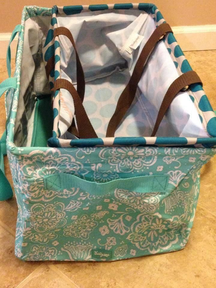 Comparison of the Large Utility Tote inside the Deluxe Utility Tote. https://www.mythirtyone.com/587941/