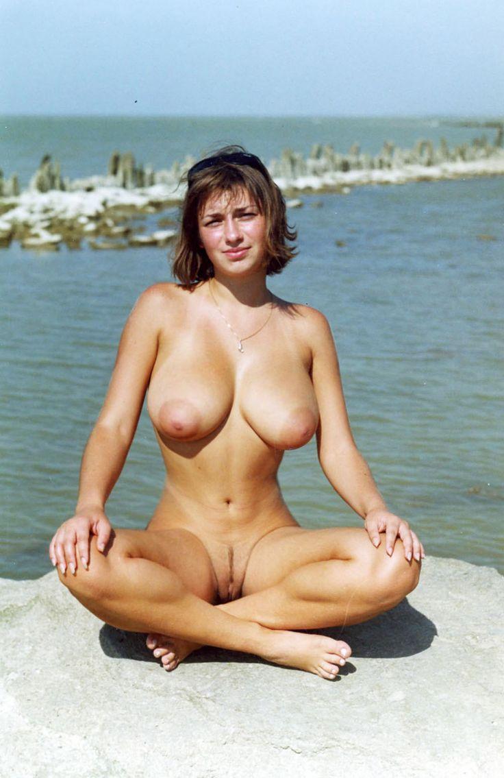 mia escort nudistsex