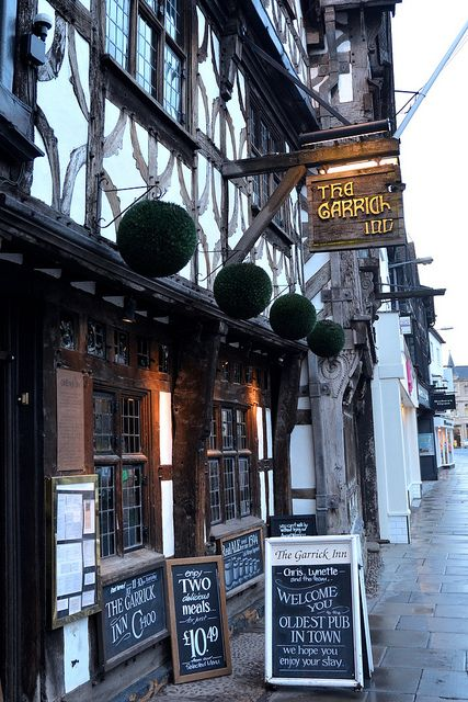 Grab a beer where William Shakespeare used to and have yourself a Shakes-Beer at the Garrick Inn -- Best Pub Stratford Upon Avon