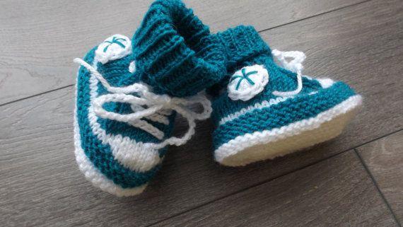 3 -6 mois (10cm) mes premiers chaussons style  baskets  sur Etsy,com/ca/fr/shop/TricotsDiahn