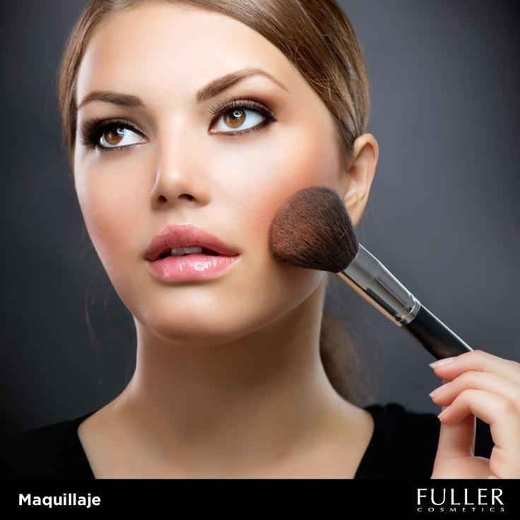 Al usar tu polvo translúcido, realiza movimientos circulares y suaves. #Maquillaje #Make up