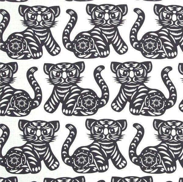 Michael Miller tiger grey. Katoen met grijze tijgers. Kinderstof, jongensstof.