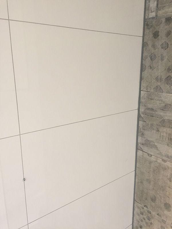 Gerectificeerde Witte Tegel Met Grijze Voeg Tegels Witte Tegels Witte Badkamer