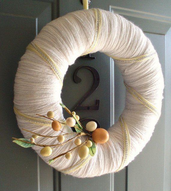 Gorgeous...clean, fresh: Yarns, Wreath Idea, Spring, Diy, Craft Ideas, Crafts, Yarn Wreaths