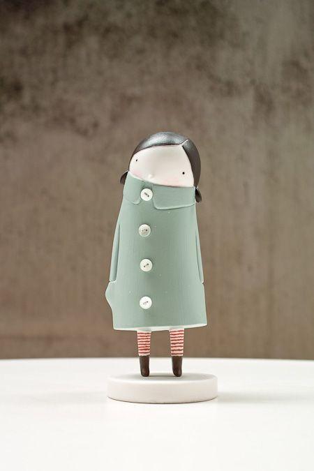 mirar la variedad de muñecas, como soporte podría usarse rollos de papel higienico, son de Elena Odriozola