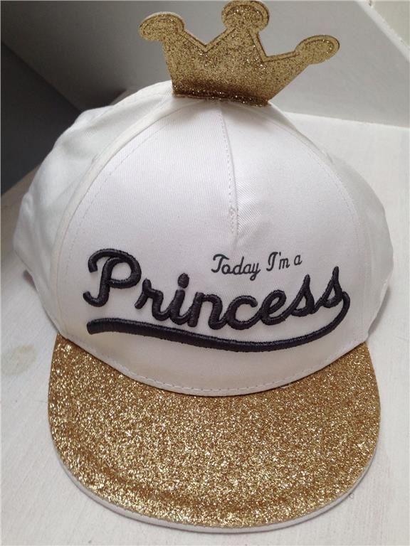 Super söt keps till prinsessan Ny! på Tradera.com - Övriga Barnkläder |