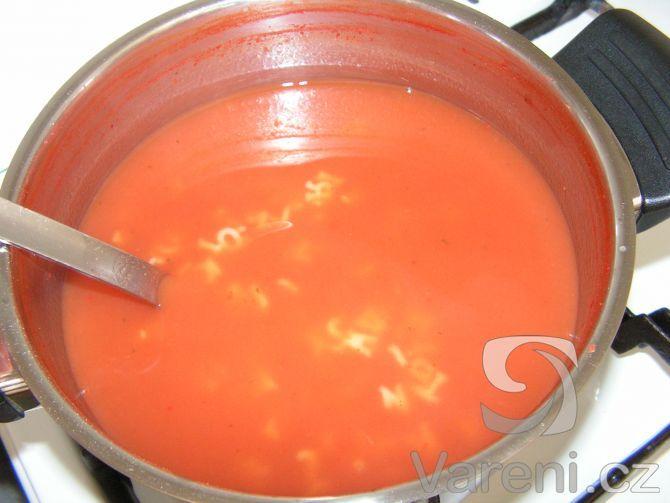 Klasická, vynikající a za chvíli hotová rajská polévka.