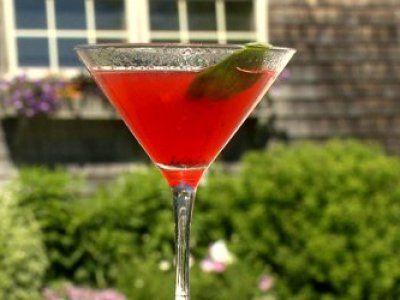 Receta de Martini de Fresas y Albahaca