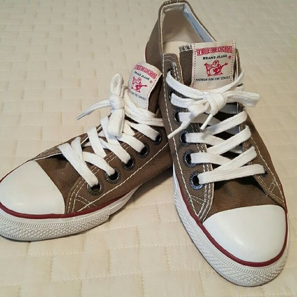 SALETrue Religion Authentic Shoes True Religion Shoes SIMPLY ORIGINAL! Gently worn GREAT CONDITION Size 9 Very Authentic-NEVER SEEN BEFORE Converse Style Root beer brown color FINAL FINAL PRICE *NO TRADES PLEASE * True Religion Shoes Sneakers