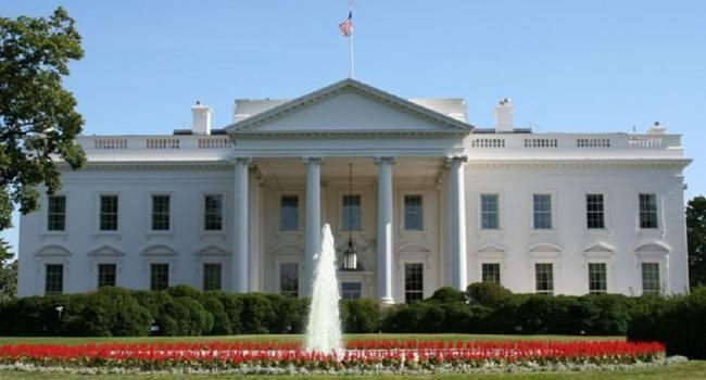 Covesia.com - Omar Gonzalez, mantan personel Angkatan Darat Amerika Serikat (AS) dengan gangguan kejiwaan yang melompati pagar Gedung Putih dan berlari ke...