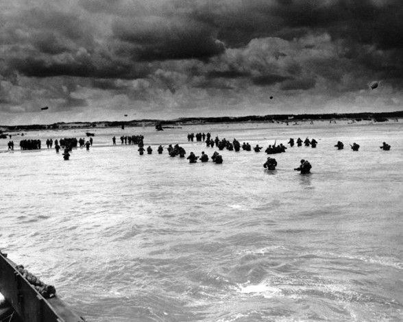 Llegada a las costas francesas de los refuerzos aliados tras el desembarco de Normandía el 6 de junio de 1944